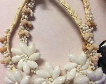Tahitian white shell necklace from Hawaii