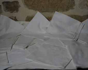 French vintage 12 piece napkin and tablecloth set, white damask linen with art nouveau design. 1920s. Good condition.