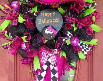 XXL witch wreath. Halloween witch wreath. Halloween wreath. Halloween decorations. Halloween decor. Witch Decorations. Witch decor.