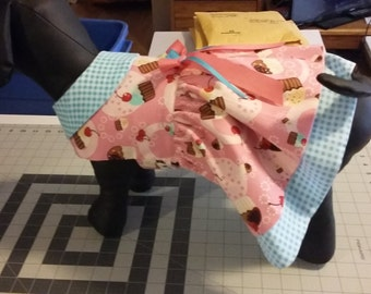 Cupcake dog dress