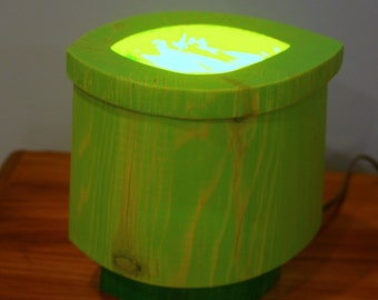 Retro Bandsaw Box Table Lamp — Bandsaw Box, Bright Green - Stained Glass Lamp