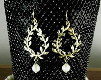 SCA Laurel Earrings - Freshwater Pearls - Elizabethan - Renaissance