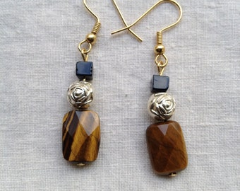 Tiger eye with black onyx
