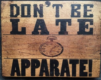 Apparate Harry Potter Antiqued Wooden Sign