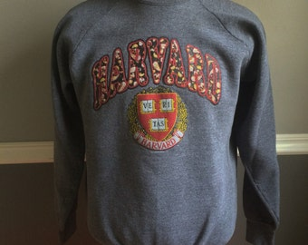 1992 Harvard University Seal and Paisley Print Raglan-style XL Sweatshirt