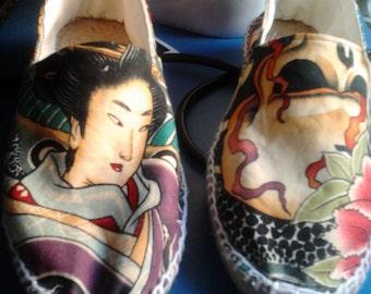 Alpargatas calavera y japonesa