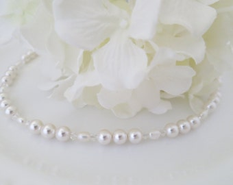 Pearl necklace, Simple pearl bridal necklace, Swarovski wedding necklace, Pearl and crystal necklace, Mother of bride necklace