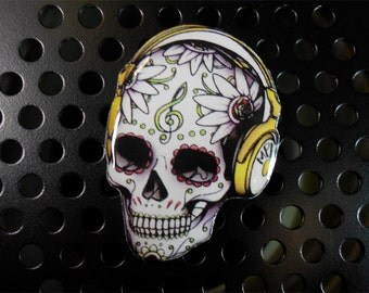 Day of the dead, Free shipping skull brooch, skull music lover, skull, pin skull, jewelry skull, clay skull, clay pin, present gift