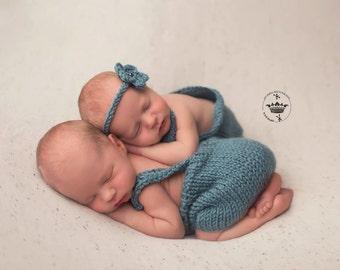 Twin Set.Baby boy/ Girls Twins.Onesie/Romper/Bib Overalls Shorts.Photo Prop.Baby Gift.Girls Onesie Knit.Romper for boys.Newborn Onesie.