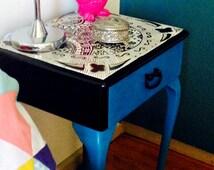 Queen Anne Girls Bedside Table
