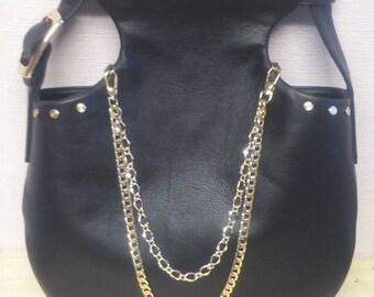 Black sholder bag
