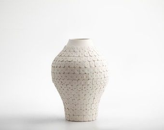 Clementi white vase
