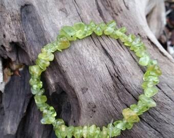 Peridot Bracelet, Natural peridot stones, crystal healing bracelet. Chakra cleansing. August birthstone. Handmade and OOAK