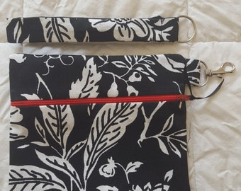 Wristlet in Black & White
