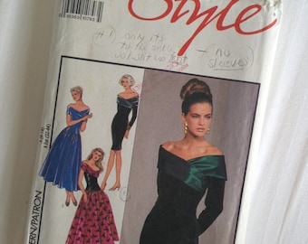 Misses Lined Evening Dresses Size 6-18. Style #1809