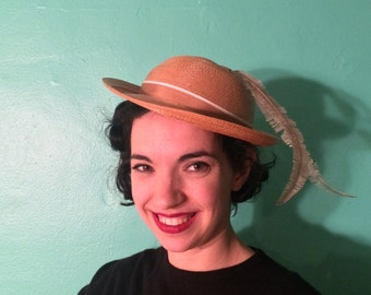 Vintage 1950s Hat | Sandy Brown Straw Hat with Delicate Feathers