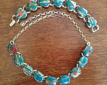 Fabulous Vintage Thermoset Green, Red and Gold Marbled Necklace and Bracelet Set 0354