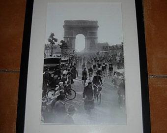 framed vintage tour de france photo,l arc de triomph