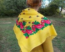 Ukrainian shawl Russian style scarf Chale russe Floral russian shawl Folk print russia Flowers on shawl Folk shawl gift her folk scarf