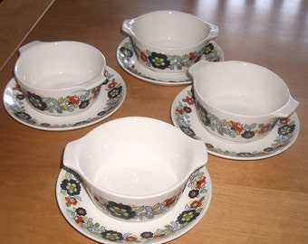 Set of 4 retro 70's  soup bowls and matching plates floral design Johnson bros