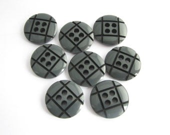 """8 medium large buttonns  with checks, Grey annd black vintage buttons, 23 mm - 7/8"""", unused!!"""