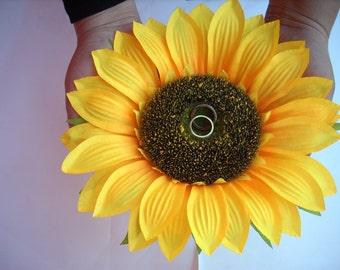 Sunflower Wedding Ring Pillow , Sunflower Ring Holder , Rustic Wedding Ring Pillow , Summer Wedding ,Flower Ring Bearer ,Wedding Ring Holder