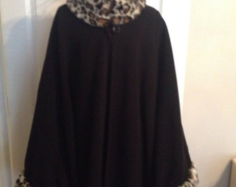 Black cape with faux  leopard collar