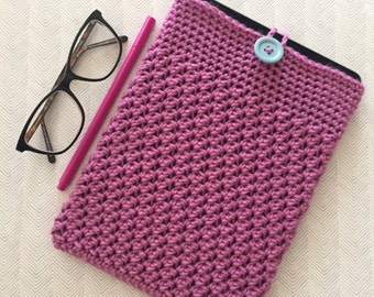 Pink tablet cosy with button