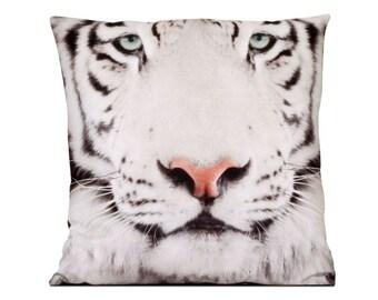 Decorative pillow White Tiger