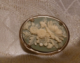 Cameo Brooch Beautiful Intricate Carved Floral Design Exceptional Detail
