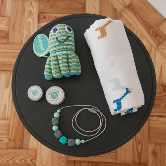 New Baby Gift Sets Uk : New baby gift set mummy me accessories