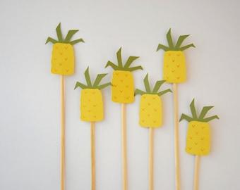 pineapple cake/cupcake topper