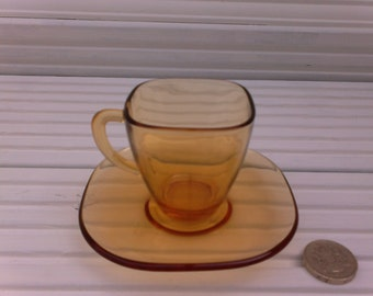 Set of 6 French Vereco amber square demi-tasse coffee cups and saucers,still in original box