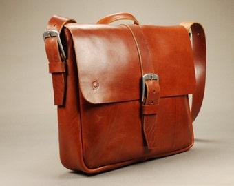 Redoker Gogetter Messenger Bag - Genuine leather messenger bag / Shoulder bag / Crossbody bag
