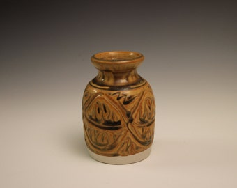 Small hobbit earth tone ceramic vase