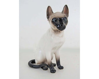 Realistic Seal Point Siamese Cat Figurine 6 Inches Tall Perfect Condition! 1981