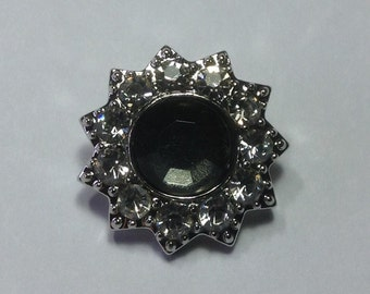 CLEAR  RHINESTONES SNAP...smoked glass center stone...20mm beautiful...round. Lots of stones!!!