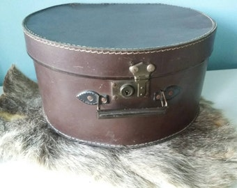 Antique French hat box beautiful decor inside brocante