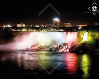 The US Falls at night, Niagara