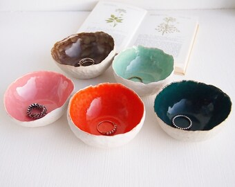 Round colourful ceramic ring dishes, ring dish, ceramic bowl, pottery dish, jewellery storage, unique gift, handmade ceramics, pottery bowl