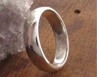 Platinum Wedding Ring, 5mm court profile with polished finish, made to order