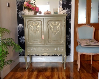 Now Sold~~Sold~~~Carved Vintage French Shabby Chic Drinks Tv Cabinet Linen Cupboard Annie Sloan