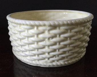 Vintage Ivory Planter--Round Basket Weave Planter--Ivory Ceramic Bowl--Round Succulent Planter--Post War Made in Japan Planter