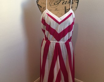Cute 1980's Chevron Pink and White Dress Elastic Waist Band Size Large