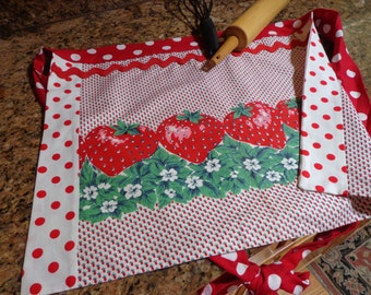 Vintage Apron, FREE SHIPPING! Vintage Strawberry Panel and Red and White Polka Dot Fabrics, So Cute!
