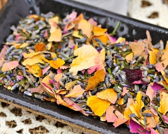 The Queen's Peace Herbal Bath Tea with Rose Petals <4 Options>