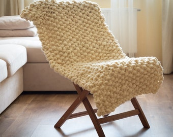 """Chunky and Bulky Wool Knit Blanket/ Throw, 60*120 sm (24"""" * 47"""")"""