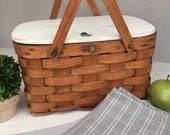 Vintage Small Picnic/Pie Basket with Painted Lid, Item No. 1095