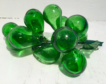 Handblown Green Glass Grape Cluster; Retro Decor; Glass Grapes; Vintage Decor Item
