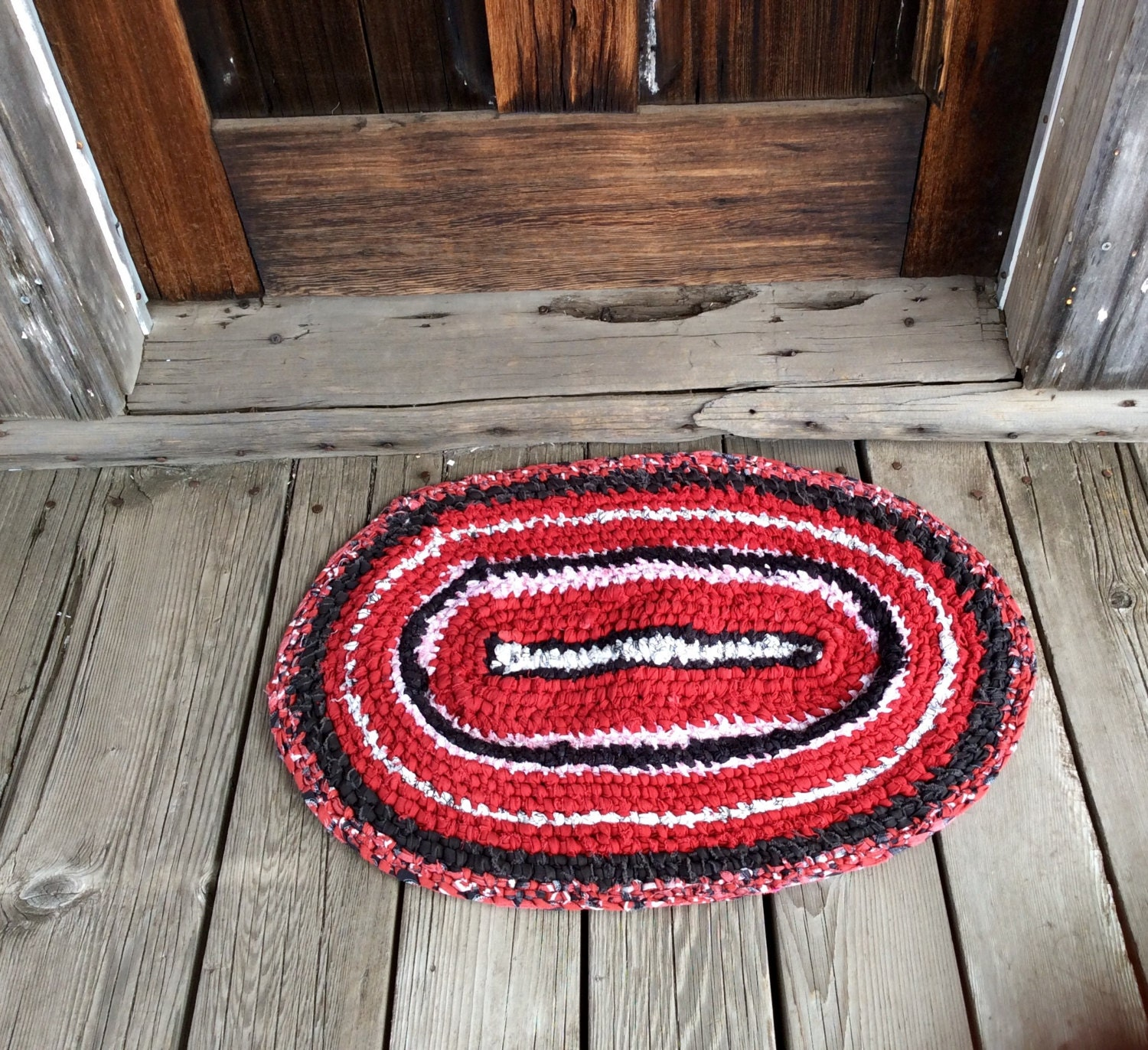 SALE Rag Rug Toothbrush Amish Knotted. Deep Red Black White